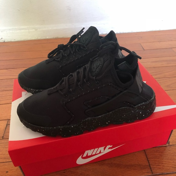 finest selection 26df5 f1bf2 Nike air huarache ultra women size 5 black